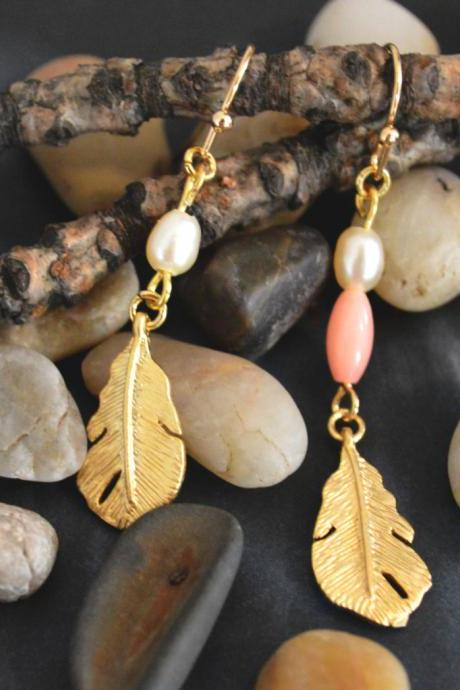 SALE) B-016 Small feather earrings, White pearl & pink coral, Dangle earrings, Gold plated pendant/Bridesmaid gifts/Everyday jewelry/
