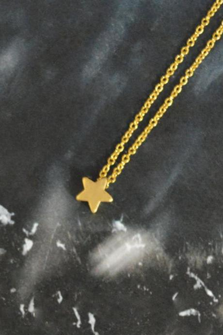 A-002 Star necklace, Simple Necklace, Modern necklace, Pendant necklace, Gold plated chain / Bridesmaid gifts / Everyday jewelry /