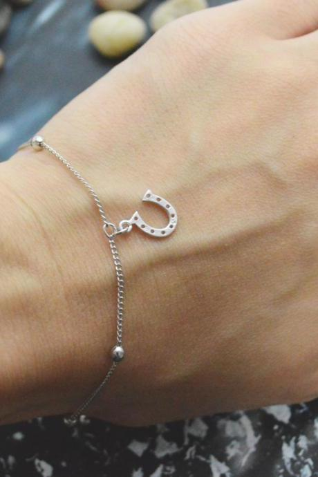 C-042 Horseshoe bracelet, Horse's hoof bracelet, Simple bracelet, Ball chain, Silver plated/Everyday jewelry/
