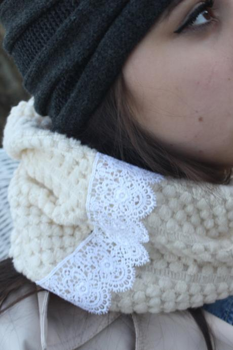 Ivory Scarf- Christmas , Knit Scarf,White Lace scarf, Infinity Scarf, Cozy, Ring scarf, Neck warmer