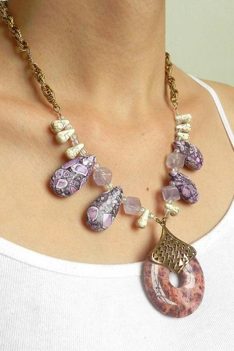 Purple gemstone necklace with amethyst and agate