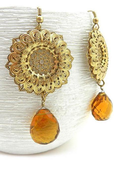 Gold filigree and amber disc earrings - party earrings