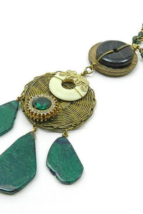 Ornate statement necklace in emerald green and gold