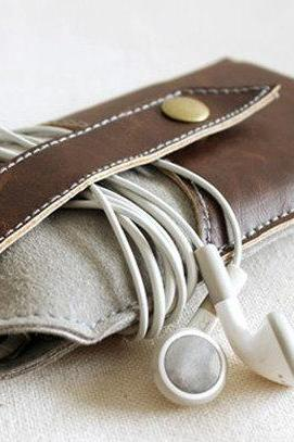 Hand-stitched iPhone 5s Sleeve / Hand-Stitched Felt Phone Purse / Phone case / iPhone Cover / For iPhone4/5 - T9