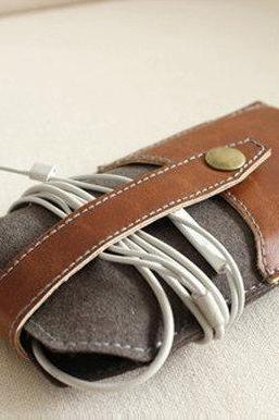 iPhone Leather Felt Wallet / Hand-Stitched Felt Phone Purse / Phone case / iPhone Cover / For iPhone4/5 - T50