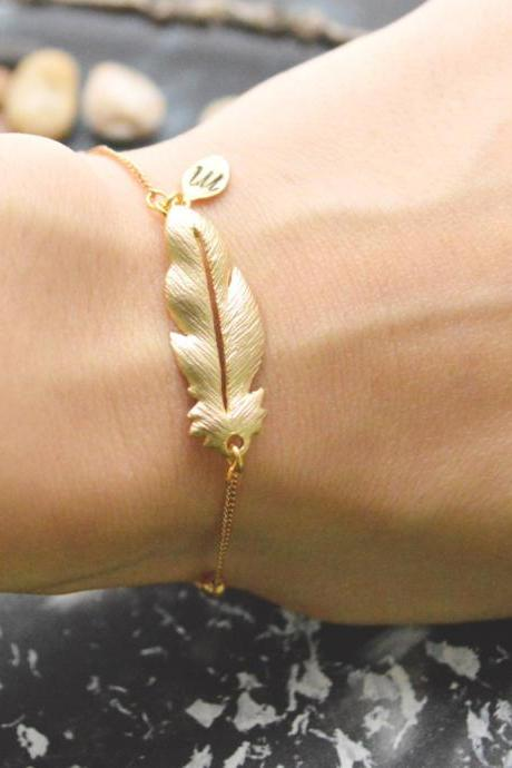 C-096 Feather initial bracelet, Personalized bracelet, Hand stamped bracelet, Simple bracelet, Gold plated/Everyday jewelry/
