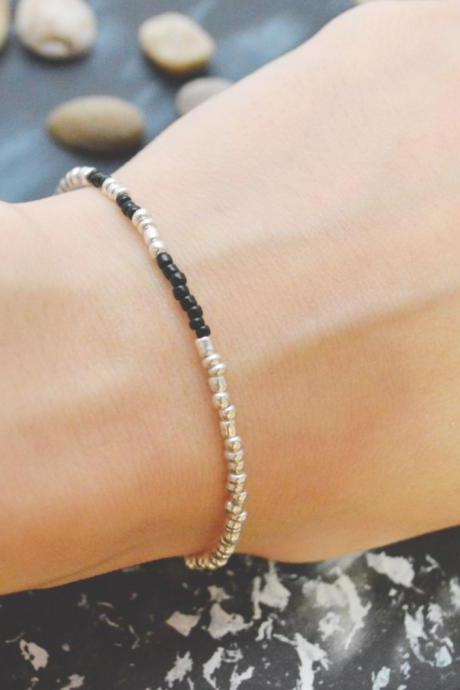 C-093 Silver Beaded bracelet, Seed bead bracelet, Black beads, Simple bracelet, Modern bracelet/Everyday jewelry/