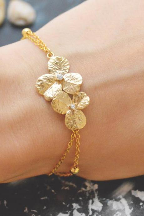 C-085 Flower bracelet, Simple bracelet, Modern bracelet, Ball chain, Gold plated/Everyday jewelry/