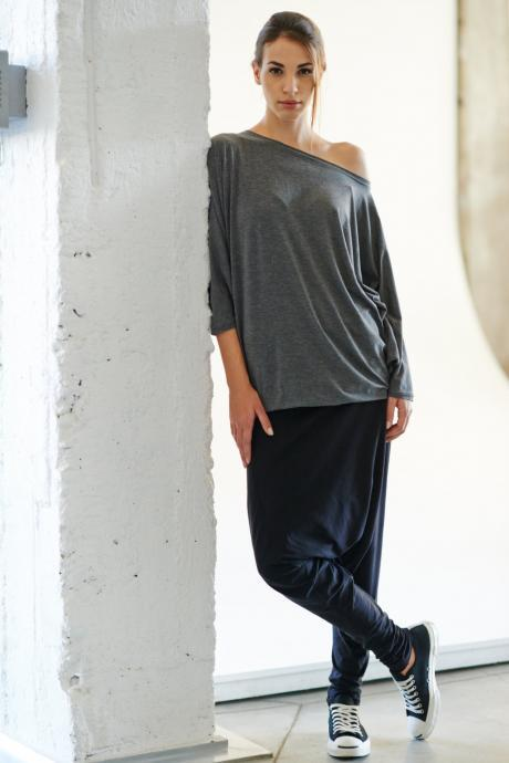 Loose Gray Тop / Oversized Cotton Blouse / Casual Top / Bat-winged Grey Flannel Top by Arya Sense