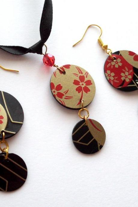 Japanese jewelry set handmade of recycled plastic sushi plate oriental floral pattern black red gold gothic, upcycled jewelry, recycled, ecofriendly