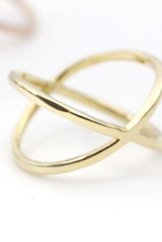 Wide X Band Infinity Ring in gold