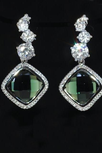 Cascading Round Cubic Zirconia Earring with Emerald Green Fancy Glass (E467)