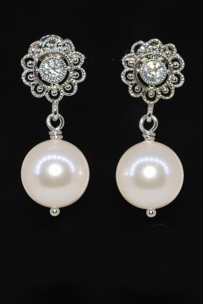 Cubic Zirconia Flower Filigree Earring with Swarovski Cream Pearl (E474)