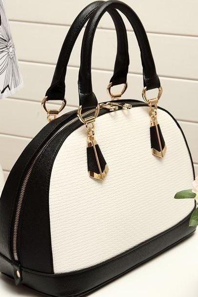 Beautiful Black and White Hand Bag
