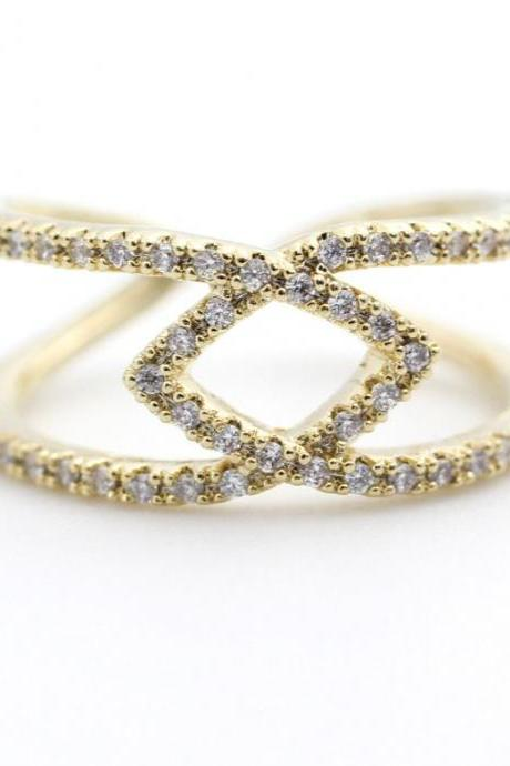 Connecting Links Infinity Ring detailed with CZ in Gold