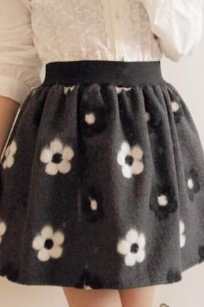 Retro Inspired High Waist Wool And Felt Embroidered Skirt