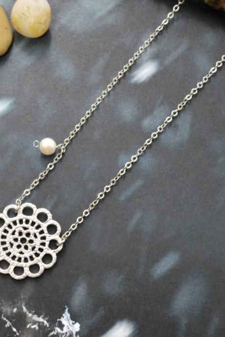 A-181 Lace pendant, Pearl necklace, Simple necklace, Modern necklace, Silver plated/ Bridesmaid gifts /Everyday jewelry/