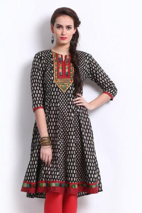 Women Black & Off-White Printed Anarkali Kurta