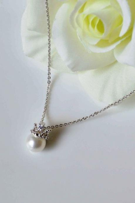 Crown necklace,Tiara necklace,Pearl crown necklace