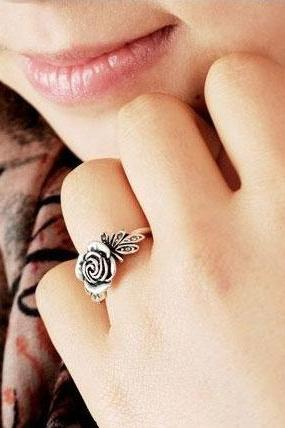 Cute Rose Ring- New accessory