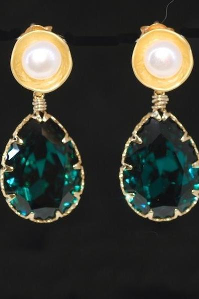Gold Plated Disc Earring with Shell Based Pearl, Swarovski Emerald Green Teardrop - Wedding Jewelry, Bridal Earrings, (E470)