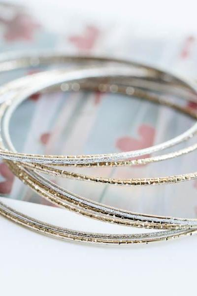 Star dust slim bangle bracelet,jewelry,bangle,bracelet,slim round bracelet,bridesmaid bracelet,anniversary gift,wedding,engagement,B810R
