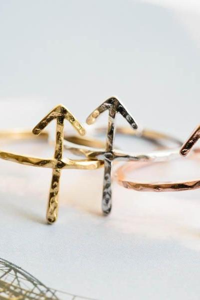 Hammered arrow ring,Jewelry,Ring,Metal,forefinger,Hammered ring,gradution,arrow ring,rune symbol,statement ring,bridesmaid ring,unisex,R309N