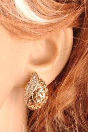 Graceful Rhinestoned Openwork Stud Earrings