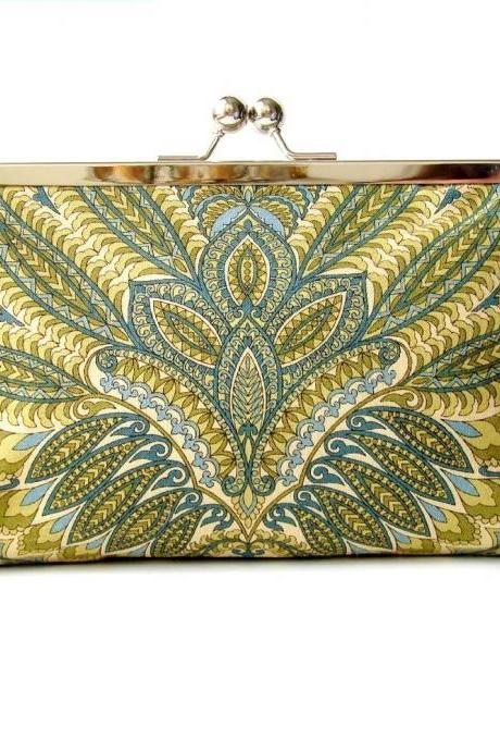 Kisslock Clutch Silk Lined Green Peacock