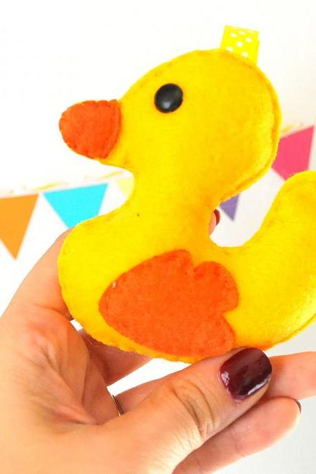 Easter Baby Duck Pattern, - PDF ePATTERN plush pattern Instant Download A728