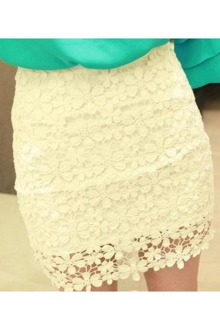 WAISTED LACE SKIRT