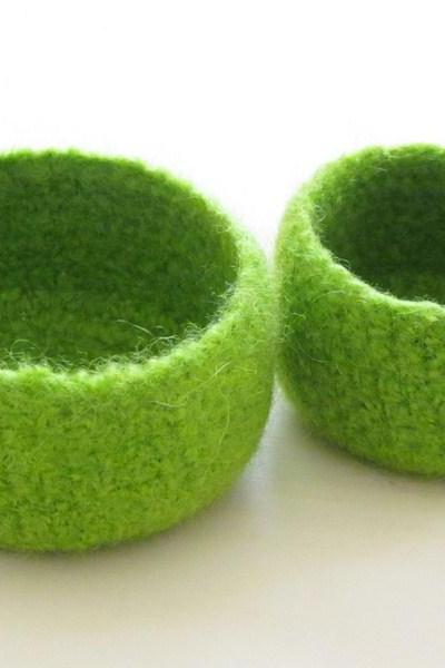 Green Felted bowl - bright colors - Cozy gift - Set of two nesting bowls