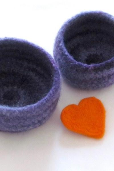 Purple Felted bowl - purple swirl - Cozy gift - Set of two nesting bowls