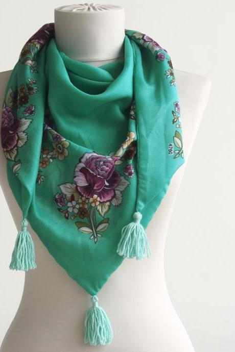 Spring scarf green floral traditional turkish yemeni scarf with tassel