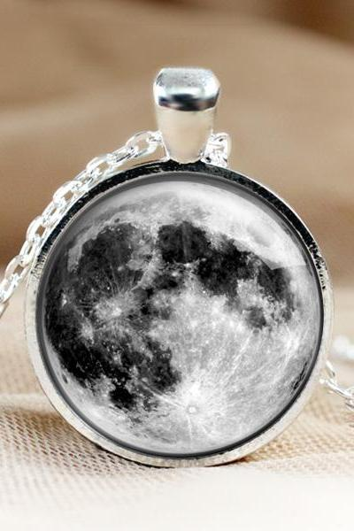Full Moon Glass Pendant Moon Necklace,Pendants.Photo Jewelry.picture Pendant Photo Necklace Moon Jewelry handmade (HD64)