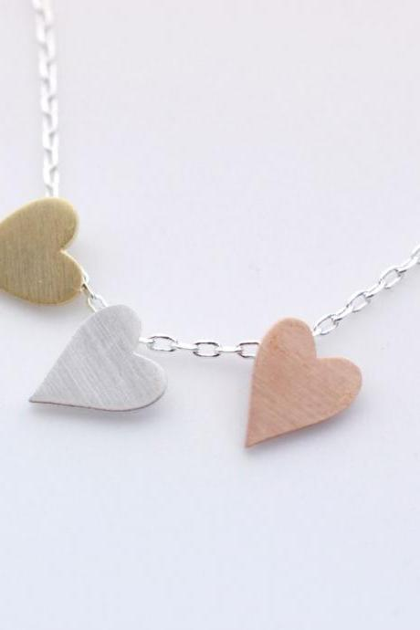 3 Hearts dangling Necklace in Silver Chain