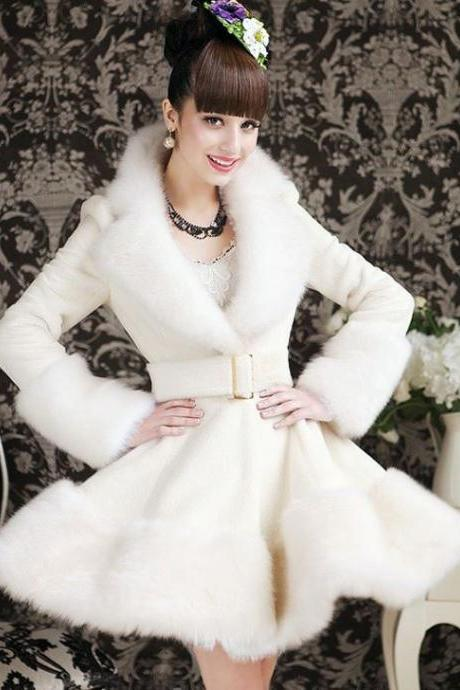 READY TO SHIP White Medium Sized Bridal Coat White Wedding Overcoat Faux Fur for Women Bride