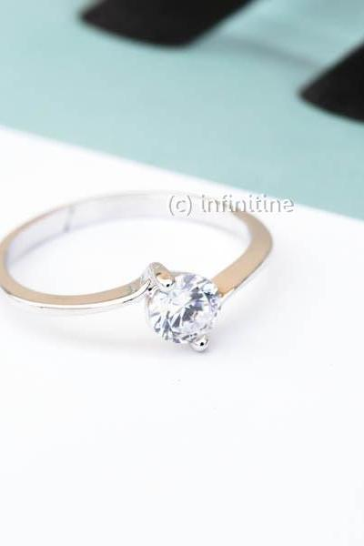 Grip cubic zirconia wedding ring,Jewelry,Ring,bridesmaid ring,anniversary ring,engagement ring,Cz ring ,bridesmaid gift,wedding ring,womens jewelry,bridal gift,wedding jewelry,wedding ring,CZ diamond ring,sparkle ring,cubic ring,diamond ring,crystal,cheap wedding ring,RN2404