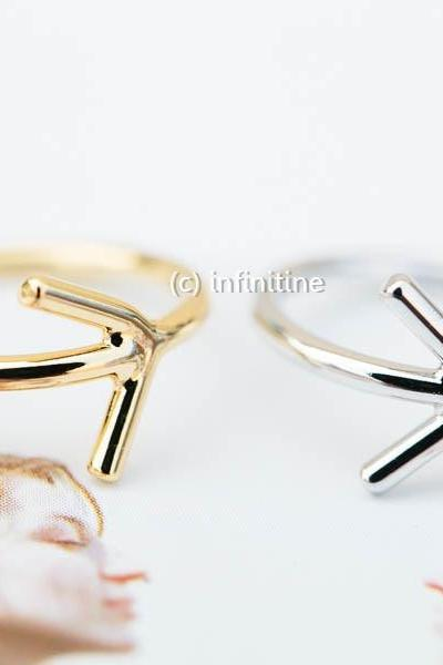 Side arrow knuckle ring,jewelry rings,fashion rings,unique rings,rings for women,girls rings,bridesmaid ring,sister ring,knuckle ring,upper knuckle ring,midi ring,first knuckle ring,little finger ring,arrow jewelry,RN2348