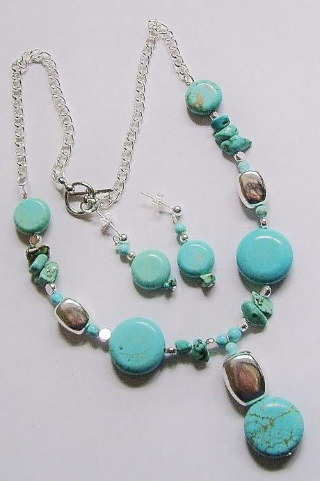 Beautiful Blue Turquoise Necklace and Earring Set