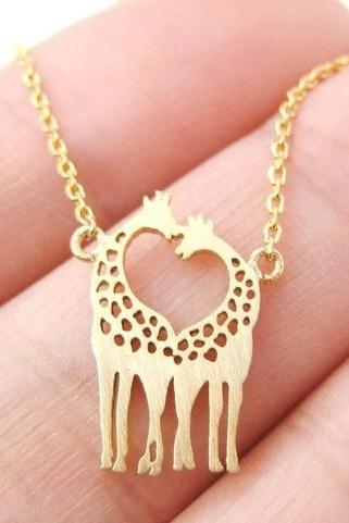 Sexy Giraffe love Shaped Animal Themed Charm Bracelet necklace