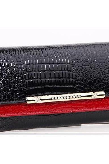 Classy & Chic Large 7.5' Red Crocodile Pattern Ladies Leather Wallet
