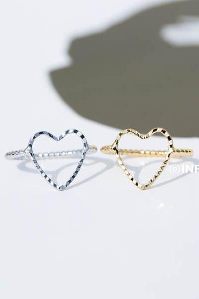 crease heart midi knuckle ring,jewelry rings,fashion rings,anniversary ring, unique rings,rings for women,girls rings,couple rings,infinity jewelry,eternity ring,bridesmaid ring,sister ring,wedding and engagement ring,knuckle ring,upper knuckle ring,midi ring,heart jewelry,love ring,RN2499