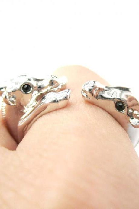3D Mom and Baby Giraffe Animal Hug Wrap Ring in Shiny Silver | Size 4 to 9