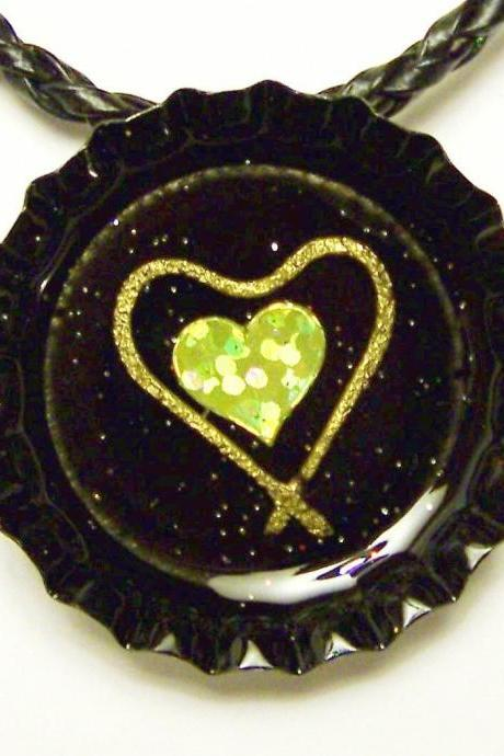 BOTTLE CAP PENDANT - Black, Glitter w 3-d Hearts - Magnet back to use with washer necklaces