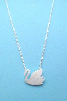 Pretty Swan, Gold or Silver, Necklace