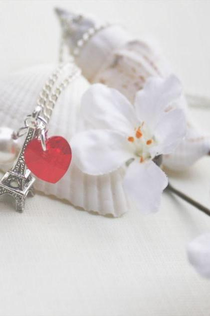 Eiffel tower necklace 'I left my heart in Paris'