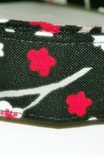 Dog Collar - Black with red and white flowers - Size Large 15-24""