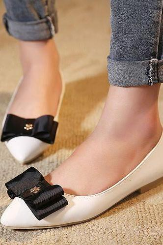 Chic White Bow Design Pointed Toe Flat SHoes