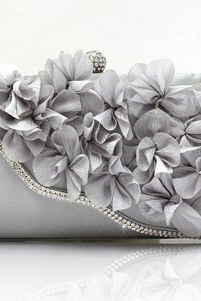 Silver Color Bridal Pearl Clutch-Luxurious Shoulder Bag Floral Bag Clutch- Evening Purse for Women